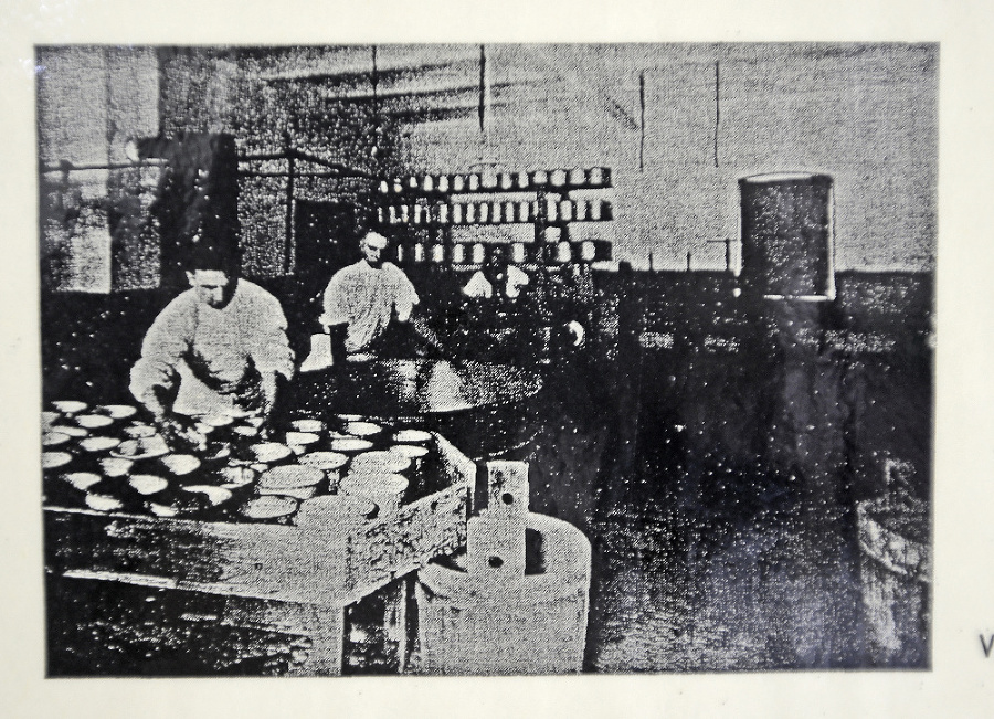 1936 - Vo výrobni