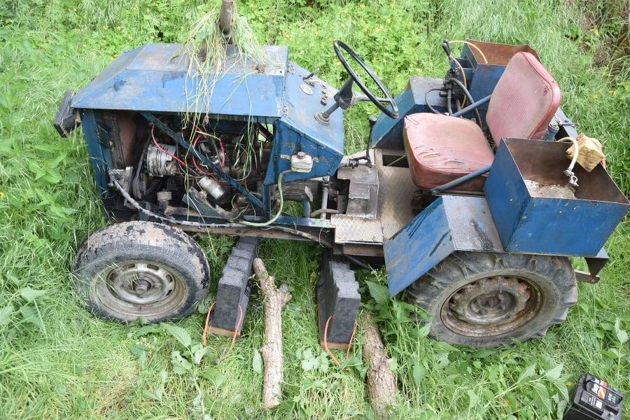 Obaja vodiči traktorov zraneniam podľahli.