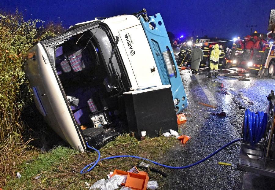 Pri havárii autobusu s