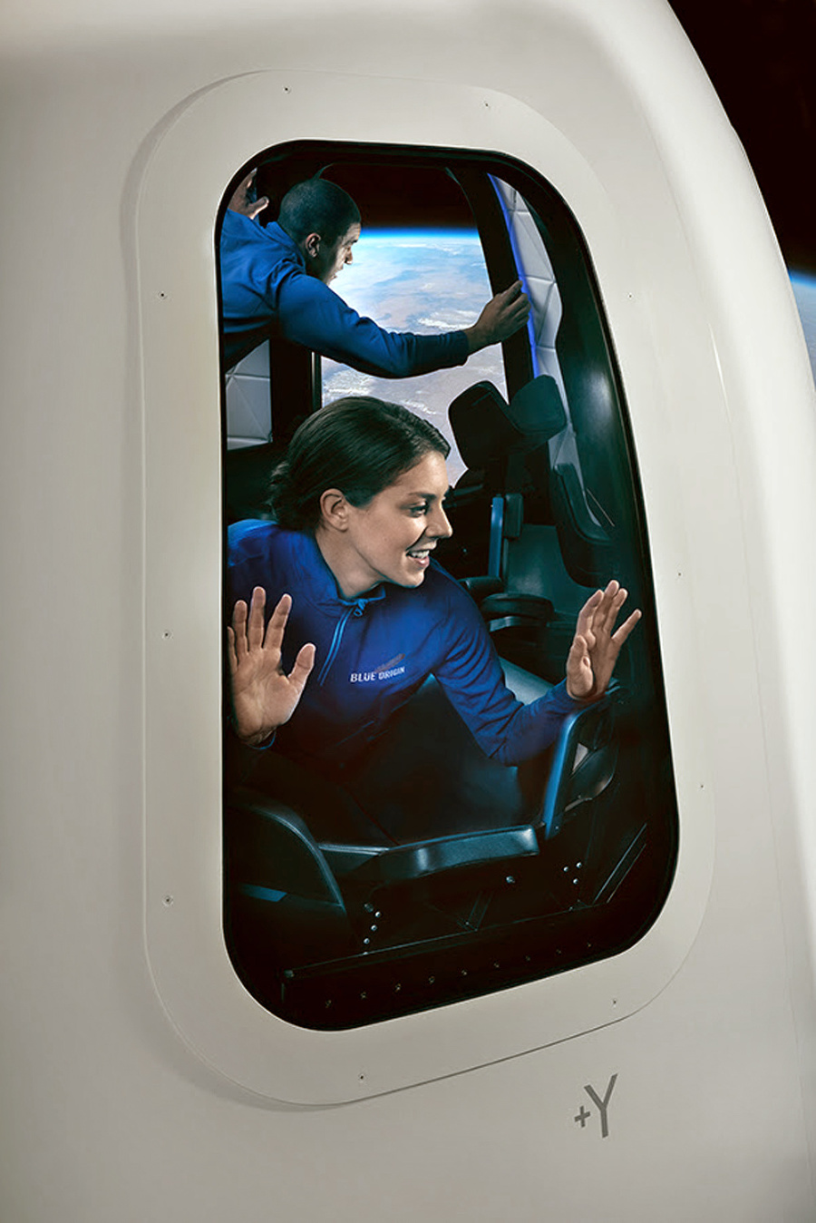 V kapsuli strávia niekoľko minút vo výške 100 km nad Zemou.