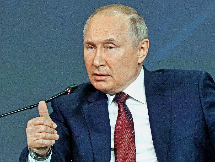 Putin hrozil vyrazením zubov nepriateľom.