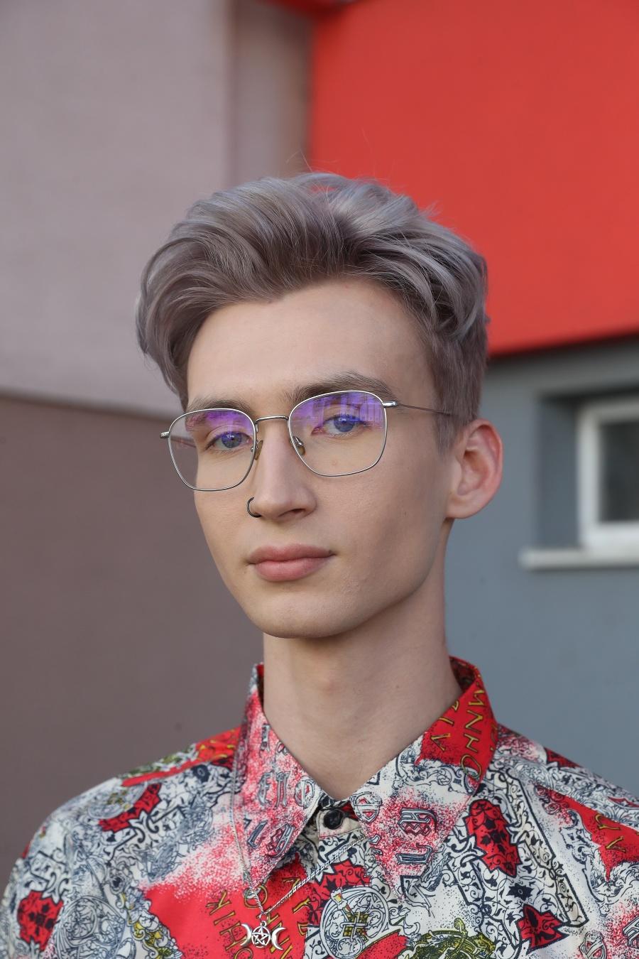 Vladimír (21), študent