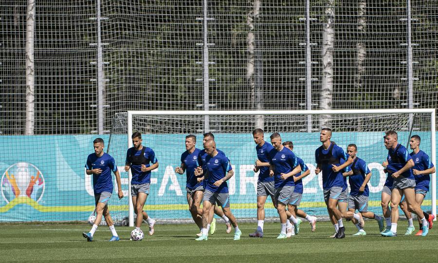 Slovenskí futbalisti pred štartom