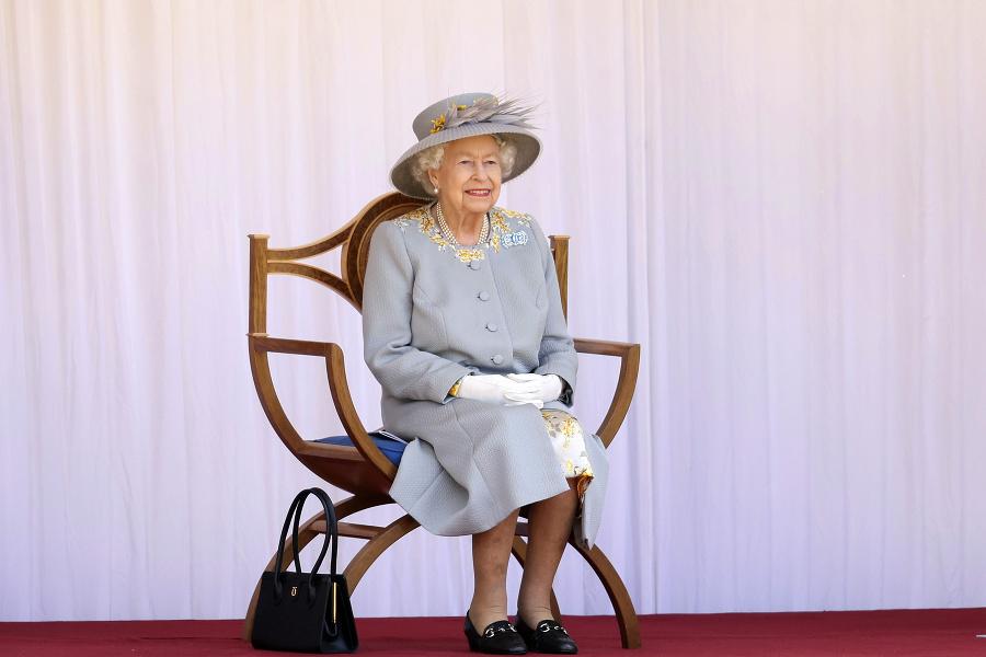 Kráľovná svoje narodeniny oslavuje