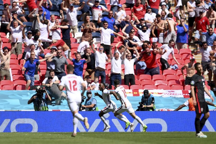 Fanúšik vo Wembley spadol