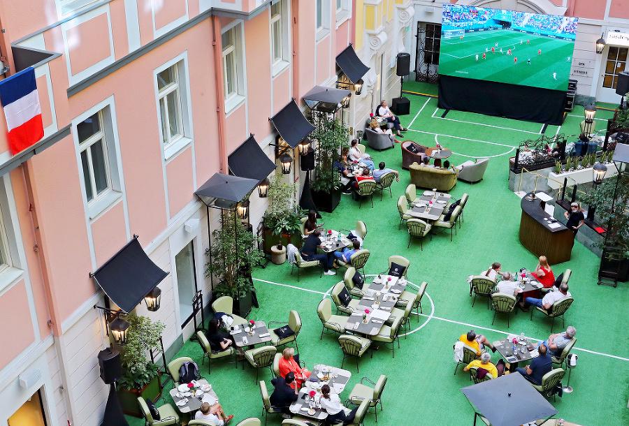 Petrohrad: Istá kaviareň zmenila