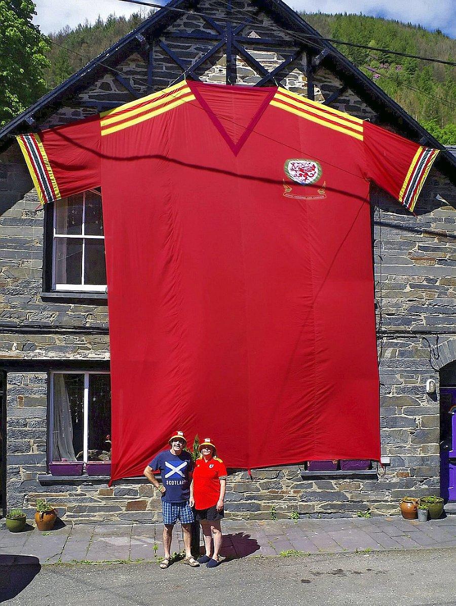 Wales: Lynne a John