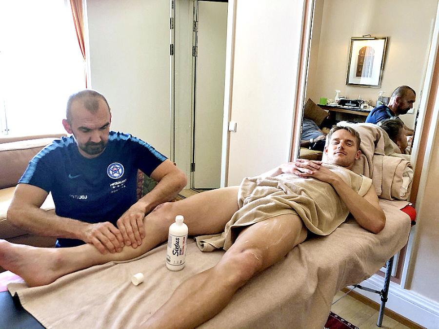 Fyzioterapeut Maroš Drinka si