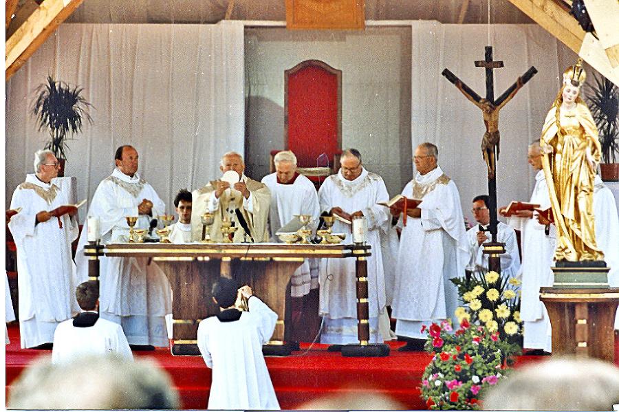 Najväčšie davy prilákala púť v roku 1995 počas návštevy pápeža Jána Pavla II.