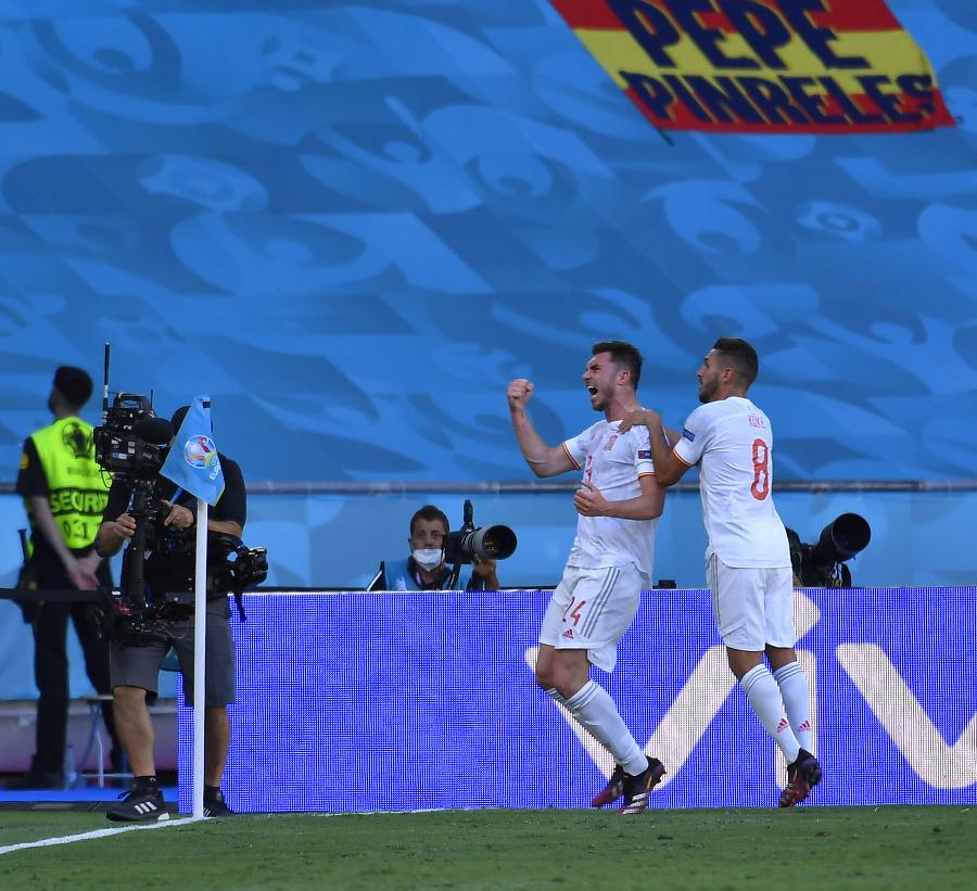Španielski futbalisti zľava Aymeric