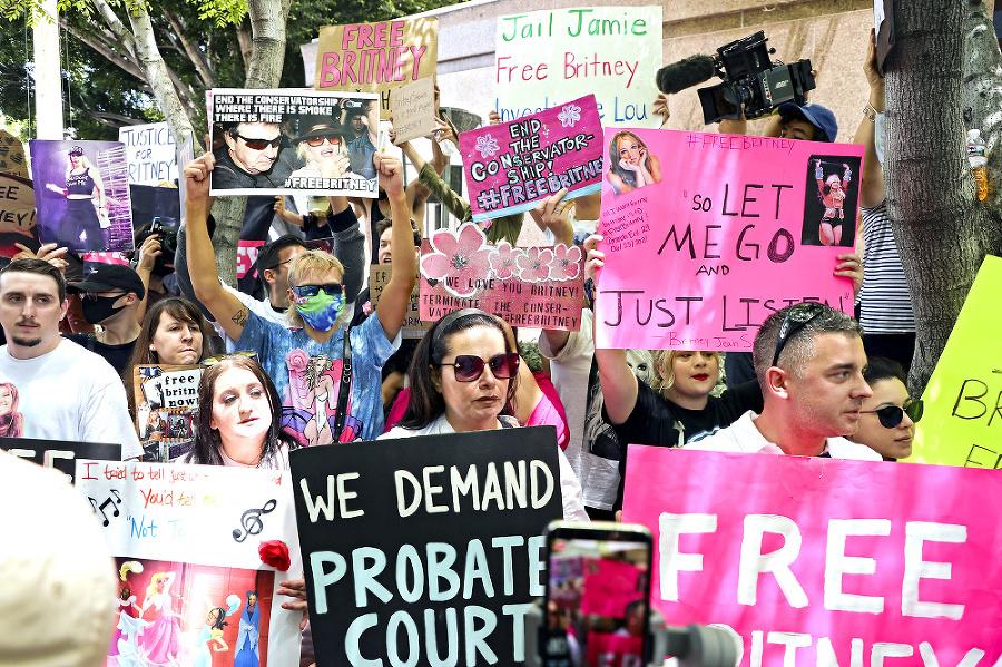 Fanúšikovia z hnutia #FreeBritney