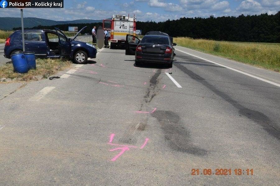 Pri dopravnej nehode na Zemplínskej Šírave sa zranili štyri osoby.