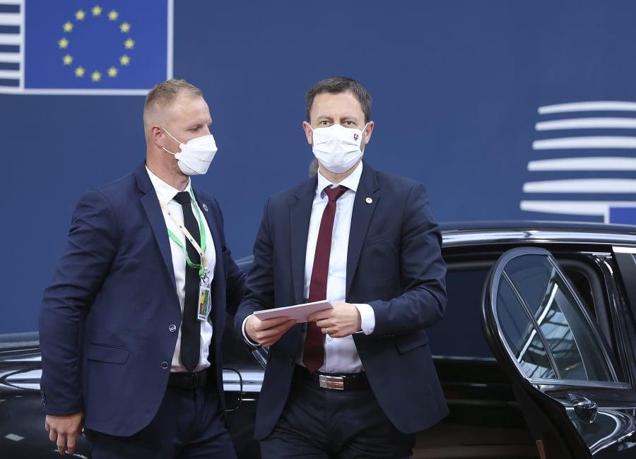 Premiér Eduard Heger (vpravo)
