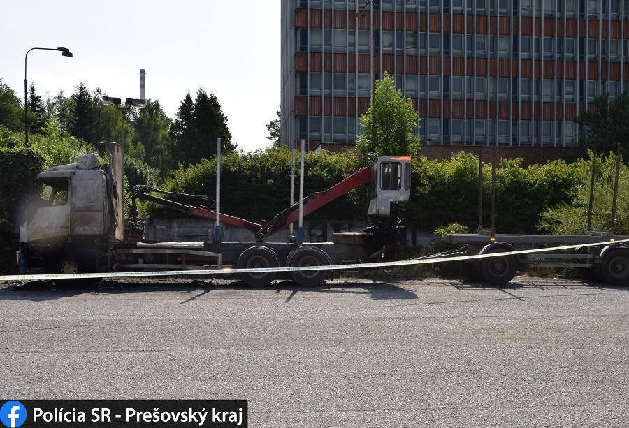 V Snine zhorel kamión, polícia hľadá svedkov.