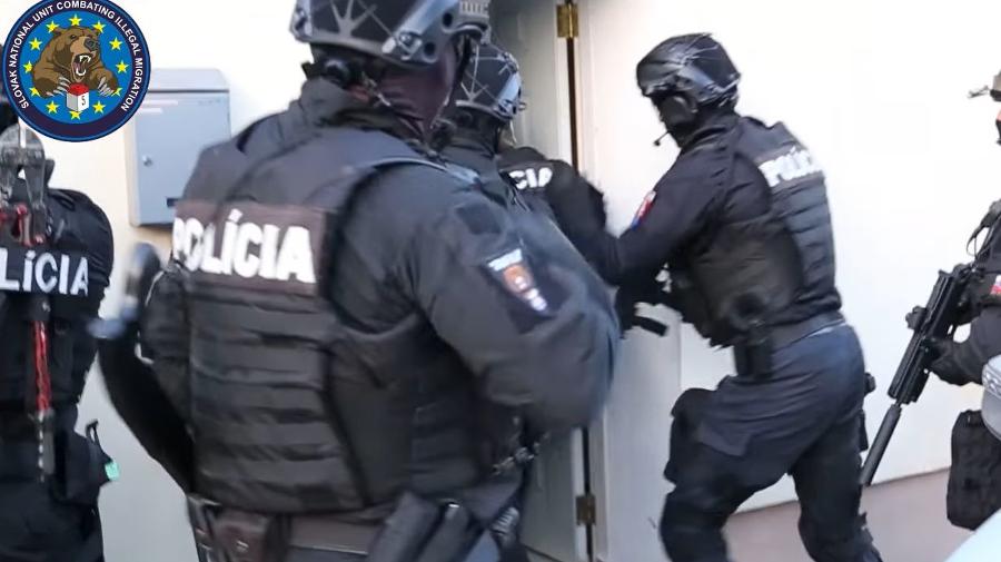 Policajti zasahovali u bývalého