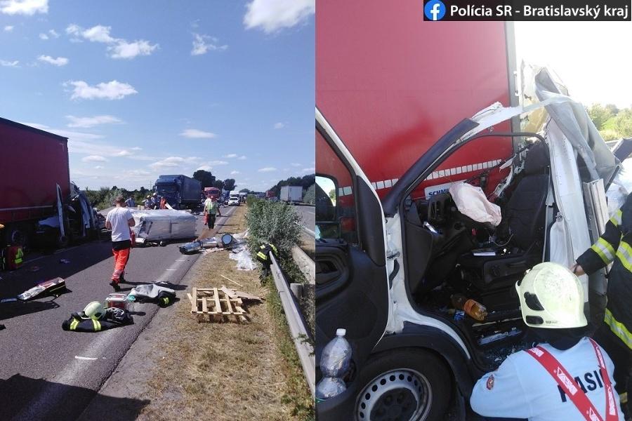 Vodič osobného motorového vozidla utrpel ťažké zranenia, ktoré si vyžiadali prevoz do jednej z bratislavských nemocníc záchranárskym vrtuľníkom.