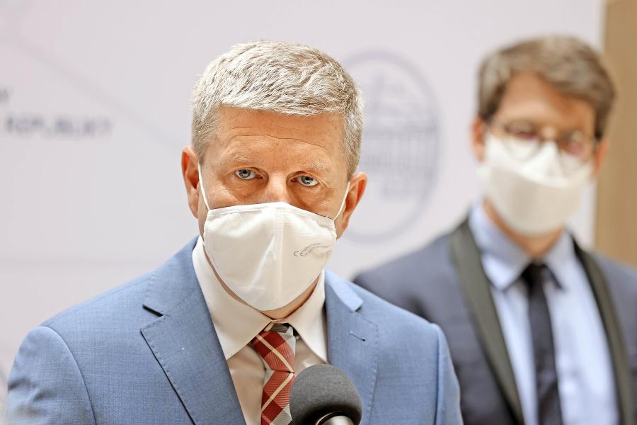 Vladimír Lengvarský avizuje, že očkovaným ľuďom budú poskytovať viac výhod.