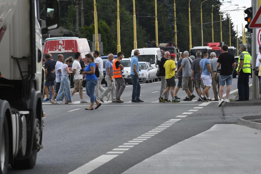 Blokádou cesty medzi Prešovom