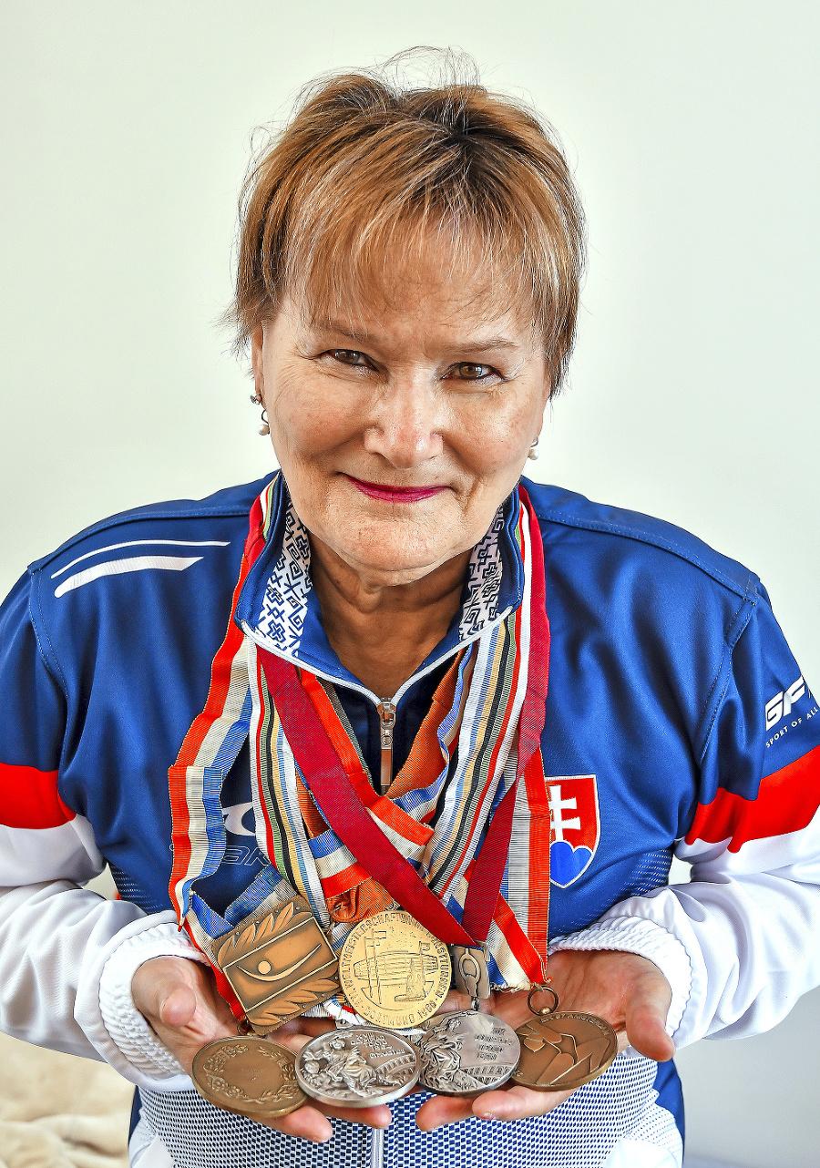 Všetky medaily: Marika Krajčírová-Némethová a jej poklady.