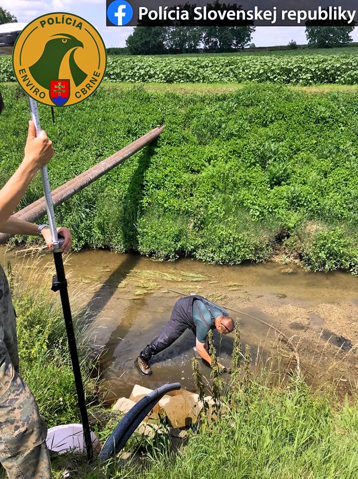 Vypúšťanie vody do potoka Liska