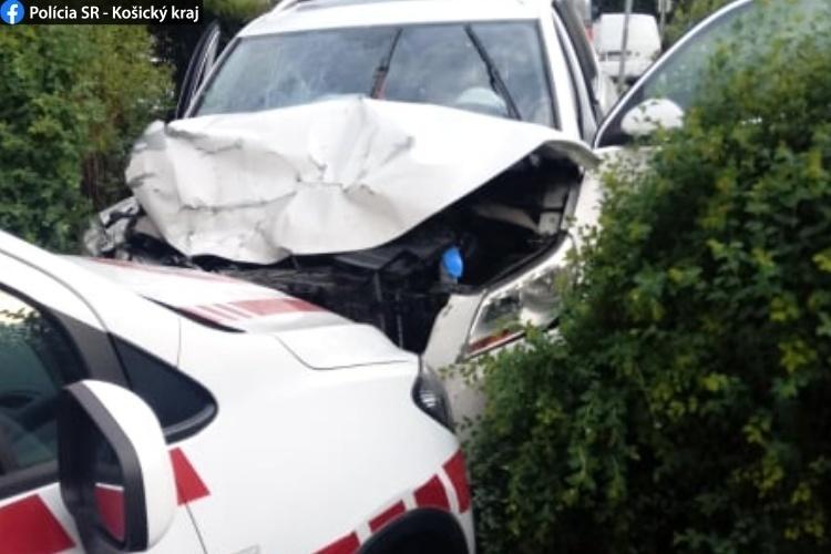 Pri nehode v Košiciach sa tri osoby zranili, vodič nafúkal 1,85 promile.