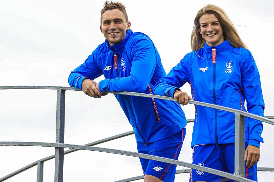 Jakub Grigar a Eliška Mintálová vo funkčnom oblečení olympijskej kolekcie od 4F.