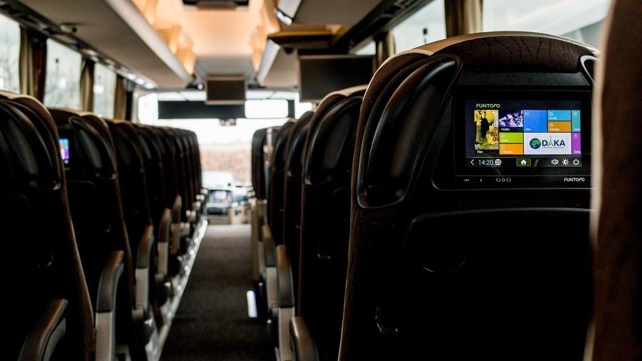 Preprava je realizovaná luxusnými modernými autobusmi.