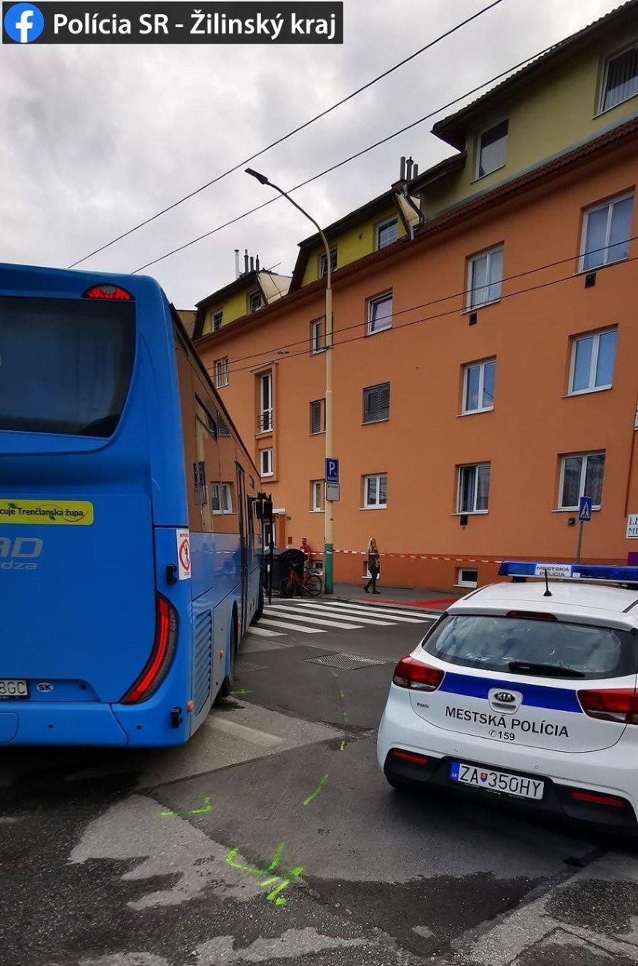 V Žiline zahynul po zrážke s autobusom chodec.