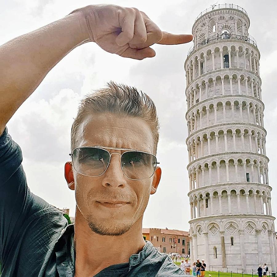 Herec Bača: Selfie pri Šikmej veži
