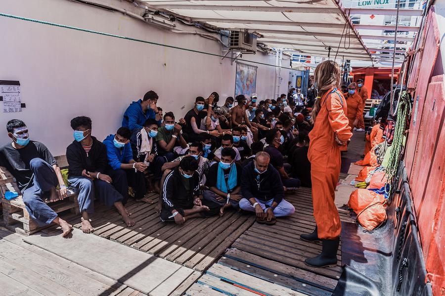Migranti na palube lode