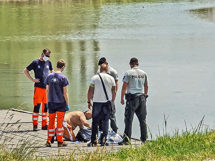 K nešťastiu došlo aj na rieke Váh.