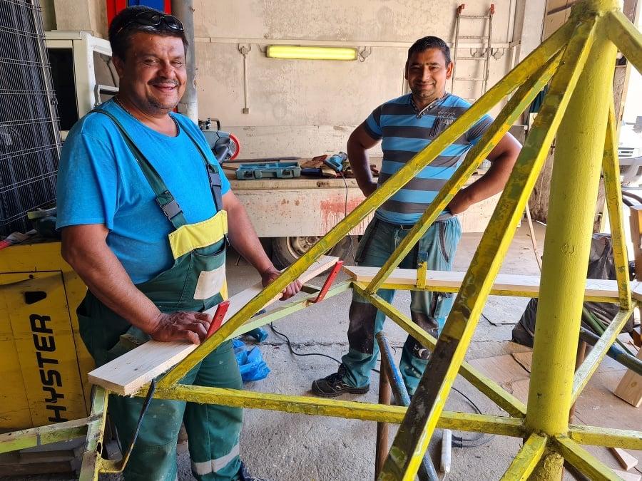 Zamestnanci SMsZ v Košiciach majú plné ruky práce s opravou vybavenia detských ihrísk, ktoré ničia najmä tínedžeri.