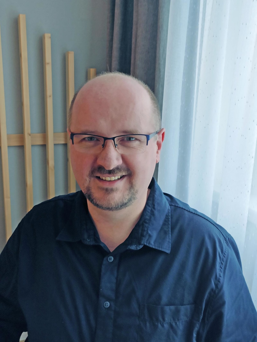 Peter Kučera, učiteľ informatiky z 1. súkromného gymnázia Bajkalská v Bratislave.