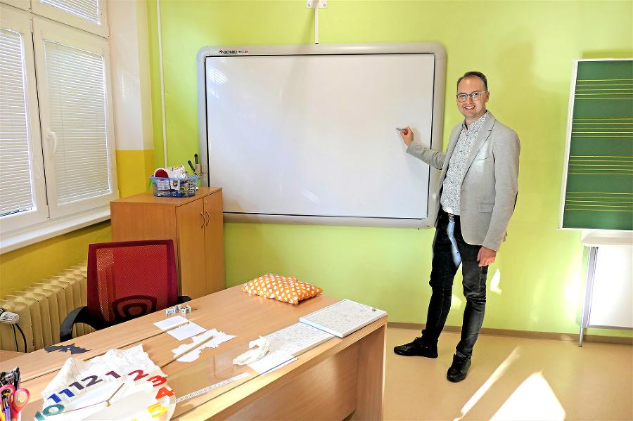 Riaditeľ M. Fazekaš spolu so svojím tímom pripravili pre deti veľa prekvapení.