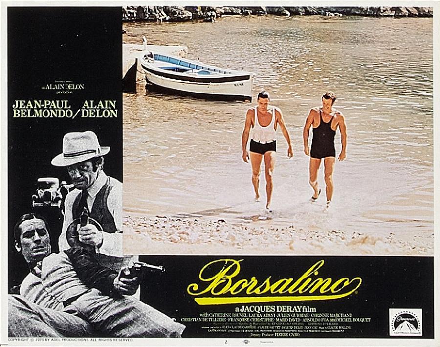 Scéna zfilmu Borsalino (1970), kde obaja sAlainom Delonom vretro plavkách vychádzajú zmora.