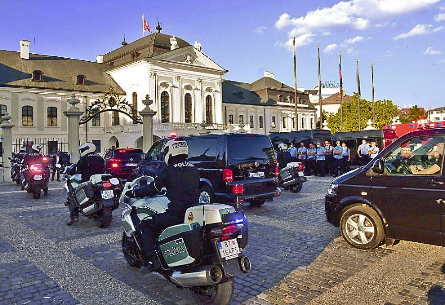 Množstvo opatrení: Ochrankári mali niekoľko výcvikov spríslušníkmi vatikánskej polície.