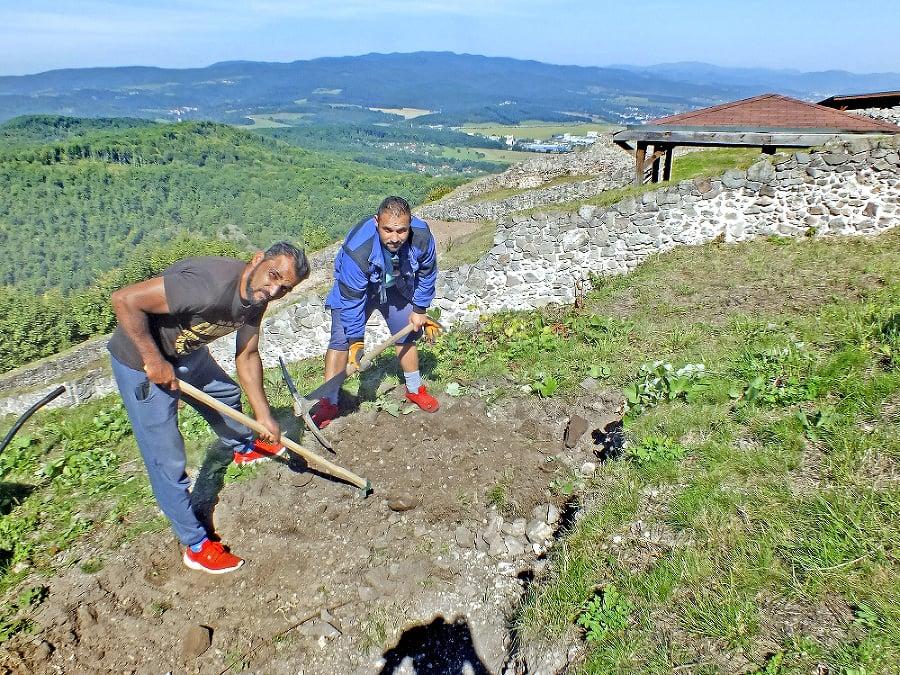 Na Pustom hrade nad Zvolenom už roky prebieha archeologický výskum.