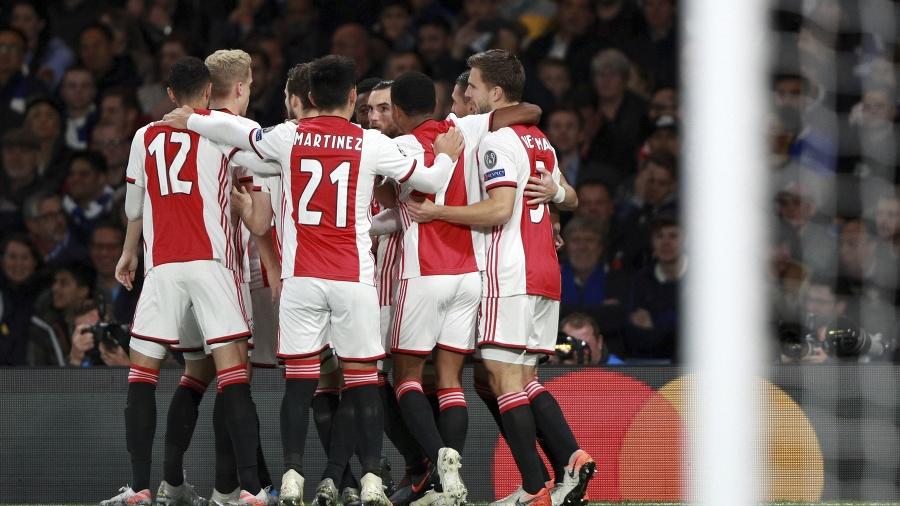 Hráči Ajaxu Amsterdam istú