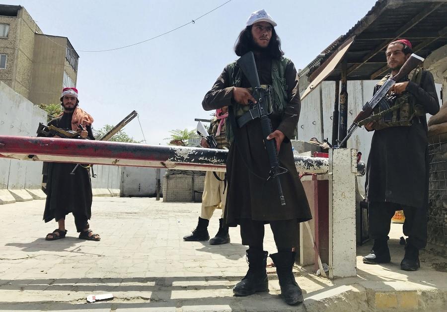 Masúd bojuje proti militantom
