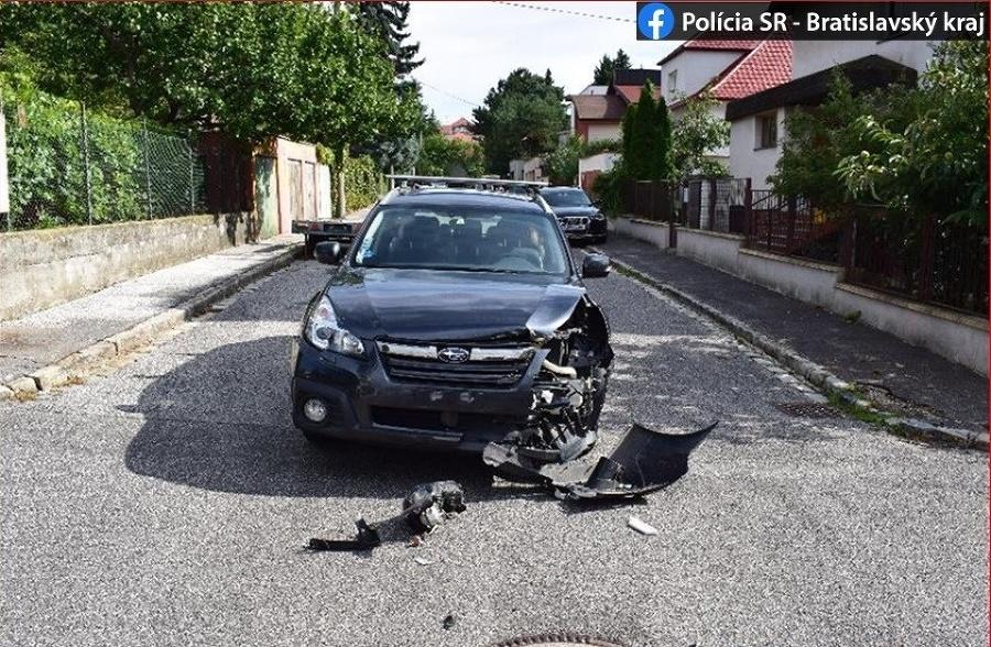 Pri dopravnej nehode v Bratislave vznikla škoda za 35 000 eur