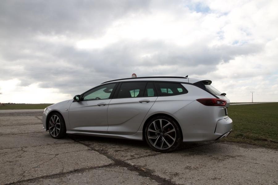 Opel Insignia GSi ST