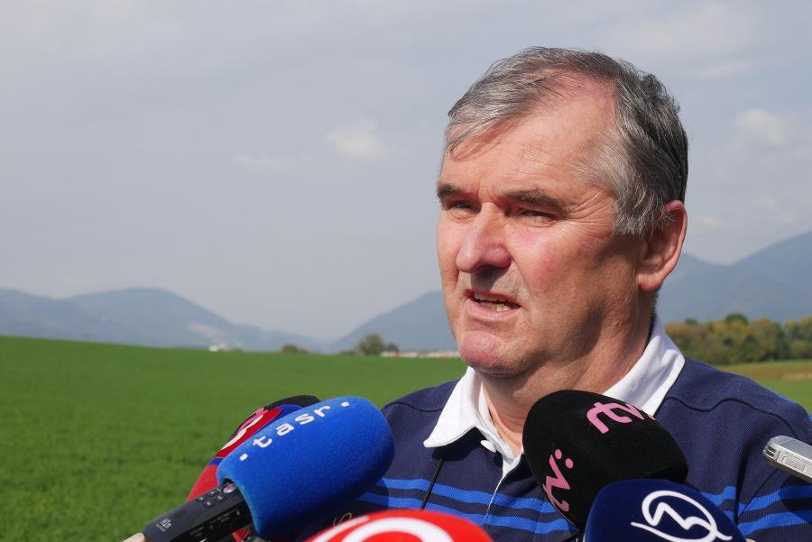 Na snímke prezident ANS Marián Petko počas tlačovej konferencie Asociácie nemocníc Slovenska (ANS).