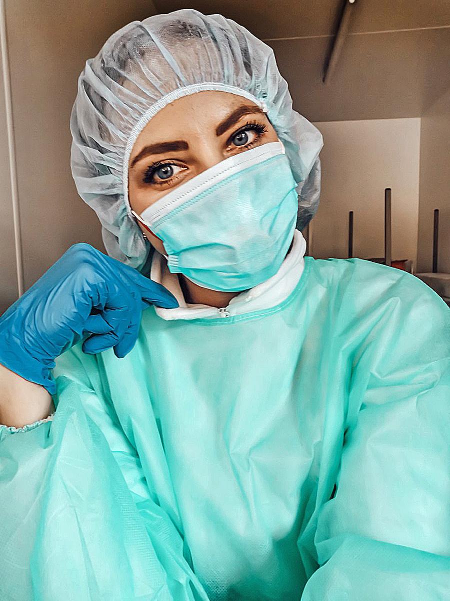 Monika (28) sa vrátila z Afriky, aby pomohla s pandémiou.
