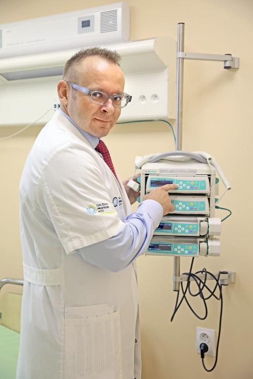 Šéf nemocnice J. Dolinský