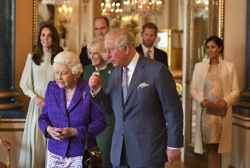 Kráľovná so synom Charlesom.