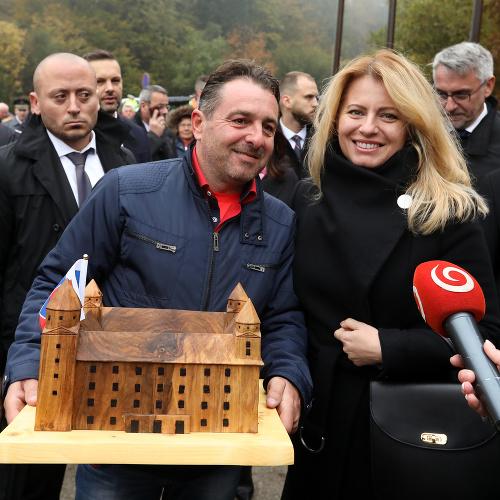 Exfarmár odovzdal prezidentke Čaputovej