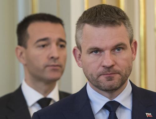 Vľavo bývalý minister vnútra