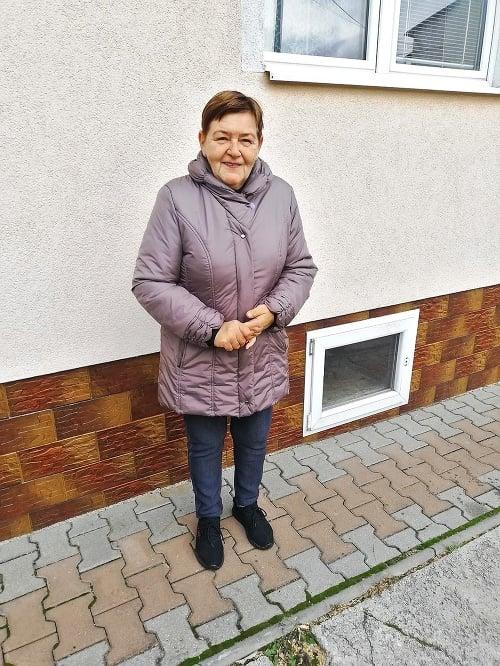 Lenkina mama Gabika (67)