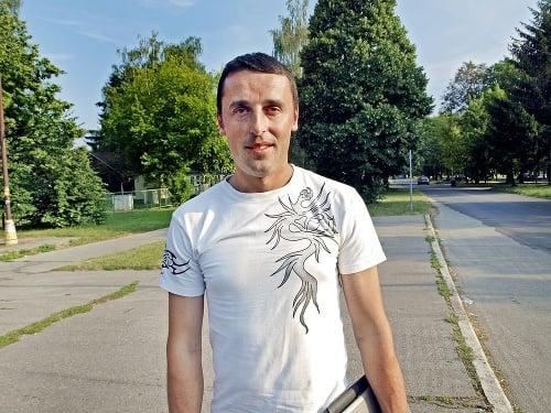Miroslav (41), stolár
