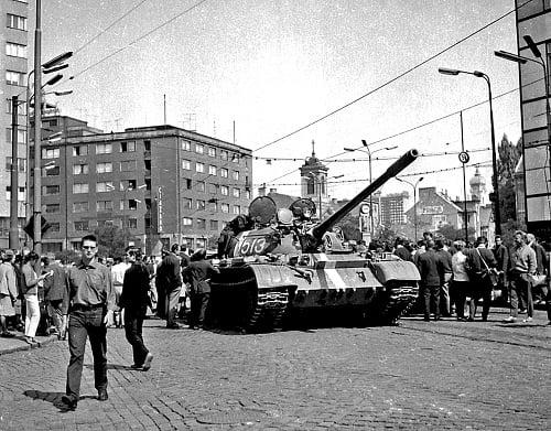 Okupanti obsadili Československo